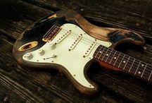 Guitars / by Giacomo Garoffolo