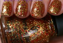 Blingy and Sparkly / by Kristin Kunsman