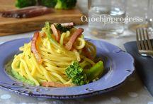 Pasta con broccolo e speck