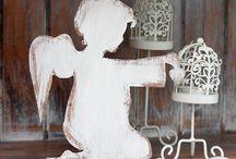 anioł z drewna