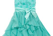 Girls Dresses-Sophie / Father Daughter dance ideas / by Jennifer Hodge