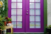 Adicta por este color ! / Disfruta y experimenta  la diversidad y versatilidad de un color. / by Betsy González Herrera