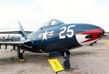 Grumman F9F / Pima Air & Space Museum : Tucson, Arizona 1990 Grumman F9F