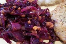 Purple cabbage and carrot sauté / Cooked
