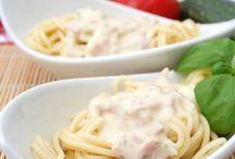Saucen und Dips / Leckere Rezepte für Saucen und Dips findest du hier. Koch deine eigene Sauce oder Dip passenden zum Gericht.
