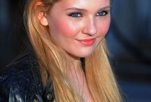 Abigail Breslin / Nicely Grown Up