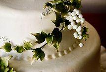 wedding cakes / by Emily Webb