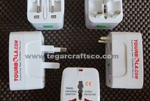 Universal Travel Adapter / Power Converter Adapter or better known as the power plug is an important thing. However, many people forget about it, especially when traveling abroad. Those who always carry a laptop or mobile phone anywhere.