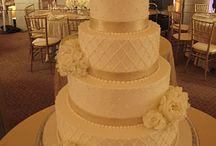 Wedding Cake ideas / by Julina Castano-Kasprzyk