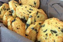 galletas de queso y aceitunas