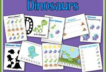 Dinosaur party / Great party ideas to help you throw a fun, colorful, and sweet Dinosaur party. Featuring decorations, party ideas, dessert tables, party favors , free printables, and more.