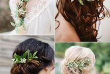 Květiny ve vlasech