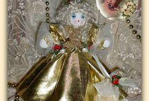 """""""Scintilla""""  Muñecas, Dolls, Bambole, Kуклы, Puppies Moira Solena / SCINTILLA -Bambolina natalizia costruita su di una pallina decorata. Cucita con ago e filo, abito dorato e scialle in tulle! Profumata all'essenza di spezie adatta al periodo! Le mie bambole sono uniche ed esclusive, ideate da me ....cucite interamente a mano e profumate con delicate essenze...munite di certificato di garanzia con data e numero progressivo"""