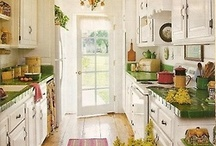 Home ~ Kitchens I love / by Cheryl Parrott Jewelry