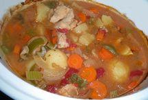 يخاني ( دجاج، لحم بقر ، خضرة). Stew ( chicken beef, and vegetable )