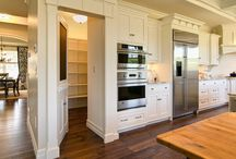 House: Pantry / by Michelle .