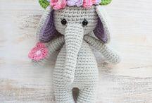 amiguri elephant with flowers