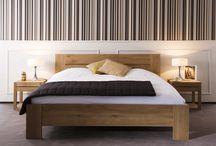 Ethnicraft / Ethnicraft è un'azienda belga che realizza mobili di alta qualità e con un'attenzione speciale all'ambiente. Onfuton è rivenditore Ethnicraft da anni, questa estate festeggia con uno sconto -10% Scegli tra due essenze di legno massello: teak o rovere.