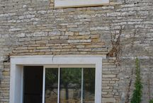 Encadrements de fenêtre et porte monoblocs pierre reconstituée béton / encadrement fenêtre et porte monobloc, encadrement fenêtre et porte pierre reconstituée, encadrement fenêtre et porte béton monolithe