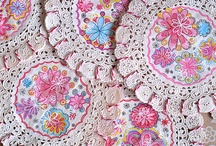 Stitcheries and Embroidery / by Bronwyn Hayes designer for Red Brolly