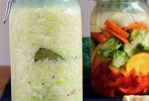 Beste Sauerkraut Variationen / Sauerkraut eignet sich gut für verschiedene Gewürzkombinationen und wir haben sie für dich hier. Weitere Rezepte findest du unter www.sauer-macht-gluecklich.de