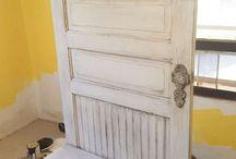 Porte manteau avec vieille porte