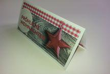 Gutscheinhüllen, Tickethüllen / Einsteckhüllen für Tickets und Gutscheine. Gerillt und gefalzt. Eine kurze Lasche wird an einer Seite geklebt. Beliebt bei Einzelhandel und Veranstaltern.