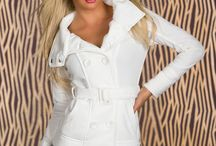Colectia Noua / Rochii tricotate, geci moderne, bluze din dantela
