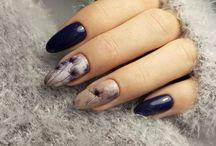Autumn almond nails