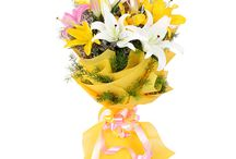 Happy Teacher's Day Flowers and Gifts / Find the best collection of teachers day flowers and gifts online at Bookmyflowers.com