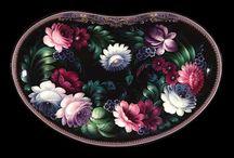"""Zhostovo, one stroke, """"egylendület"""" / Gyönyörű virágok festése egy lendületből, tutorialok, segédletek. Zhostovo egy orosz falu Moszkvától északra, ahonnan származik ez a technika, ahol is egy kovácsmesternek kezébe akadt egy fekete tálca, és elkezdett rá festeni virágokat. Így kezdődött, és lám mi lett belőle :D"""