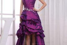 Beautiful Dresses / by Mandy Lynn Brandon