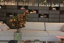 CASACOR 2017 / Na última semana estive em São Paulo e aproveitei para visitar também a CASACOR, a maior mostra de decoração e design das Américas. São 71 ambientes expostos em pouco mais de 15.000 m² de espaço.   Foi realmente uma experiência incrível para mim e se você ainda não visitou a mostra, aproveite porque vai só até o dia 23 de julho. Fica no Jockey Club de São Paulo.  Veja algumas fotos dos ambientes!