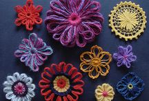 Flowers made of yarn