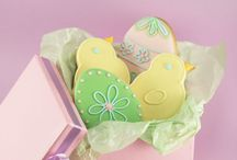 Easter Recipes / Great Easter cake, cupcake, and cookie recipes to have with the family on Easter Sunday / by CakeJournal