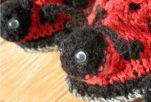 Włóczkowe buciki na szydełku dla dzieci / Worsted Crochet Shoes for children / Szydełkowo-drutowe, włóczkowe buciki na małe stópki. / Shoes for small feet.