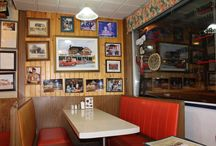Louis Pizza / Louis Pizzeria is a family owned restaurant located in central Vanier.