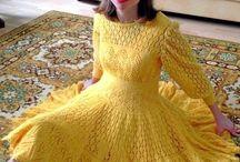 внучке желтое платье
