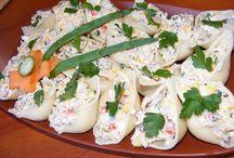 Sałatka z tuńczyka w makaronowych muszlach