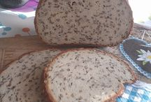 Low Carb Brot / Brötchen