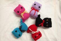 brinquedoa e miniaturas em crochê