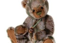 Charlie Bears / Charlie Bears Collectable Jointed Teddy Bears