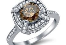 Weddings in Warm Tones with Yellow & Brown Diamonds