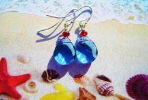 """Collection """"The Blue Sea"""" / First Collection of earrings from """"the Blue Sea"""" ready. Handmade jewelleries. Contact me at annette@annweidesign.com - free shipping in Europe! Havet har inspireret mig til min nye kollektion """"Det blå Hav"""" - og første hold øreringe er færdige med blå og grønne sten/perler. ann wei design har håndlavede smykker til kvinden med den specielle smag. Gratis forsendelse. Er du til blå og grønne farver?? Boho kvinde du er en havfrue!"""