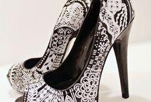 OMG Shoes / by Shakela Swinton