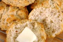 Gluten Free Bisquits and Muffins / by Colleen Owens