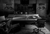Studio FERBER PARIS / https://www.facebook.com/Studios-Ferber-465075663563047/?pnref=story