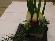 bloemstuk met groente en fruit