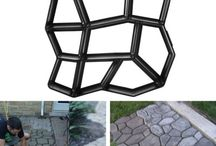 Paving mold for walkways