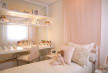 外国風 女の子の部屋